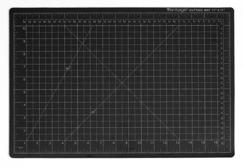 "Dahle Vantage® Self-Healing Cutting Mat 18"" x 24"" Black"