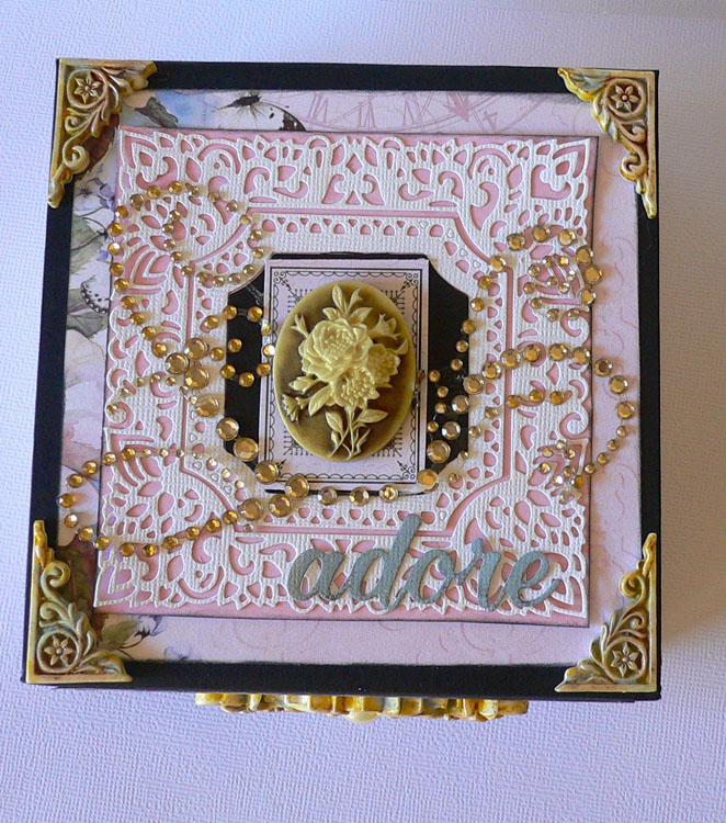 Couture Creations Impression Die - Square Magnolia Frame