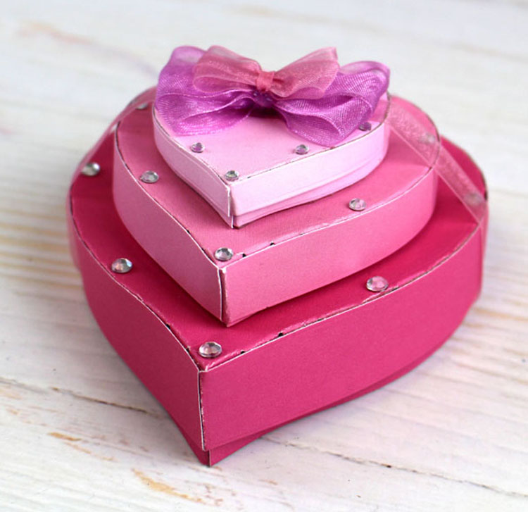 Essentials by Tattered Lace - Heart Box