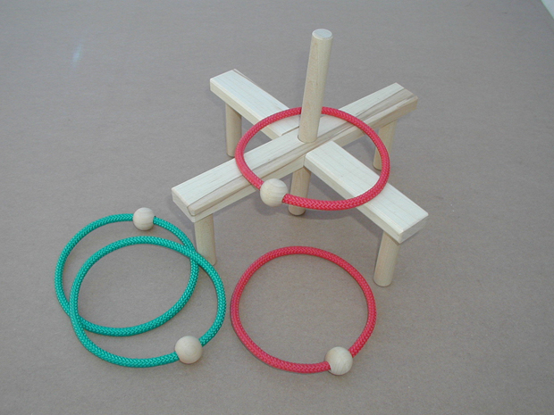Beka Ring Toss Game: 4 Rings