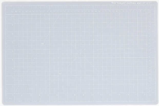 Dahle Vantage Self Healing Cutting Mat: Crystal Clear, 12 x 18 Inches Cut Size