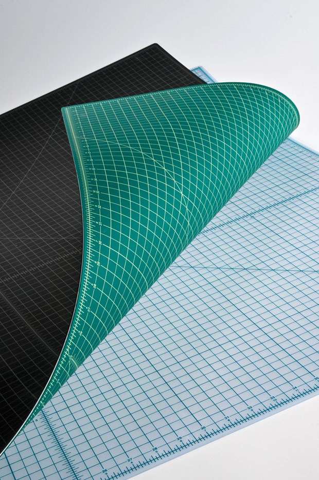 Alvin Professional Cutting Mat: Green/Black, 3.5 x 5.5 Inches