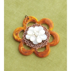 Making Memories Vintage Groove by Jill Schwartz Pendants: Bead Flower