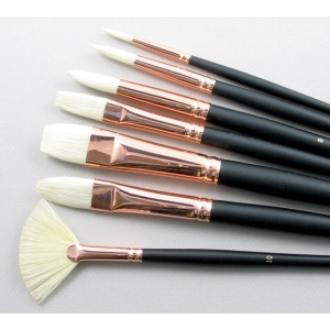 Trinity Brush Serov Set of 7 Hog Bristle Art Brushes
